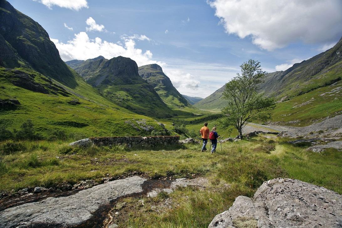 Glen Coe met de 'Three Sisters' op de achtergrond - Highlands