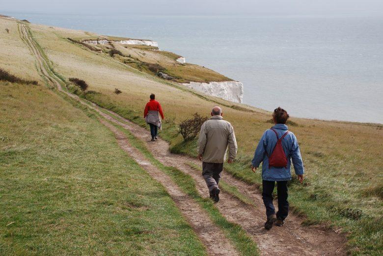 Wandelen boven de White Cliffs bij Dover