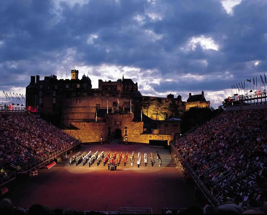 Military tattoo in edinburgh wat een spektakel for Royal military tattoo