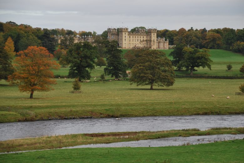 Floors Castle en River Tweed