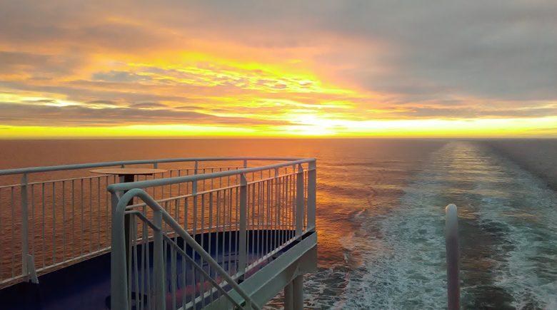 Zonsondergang aan boord