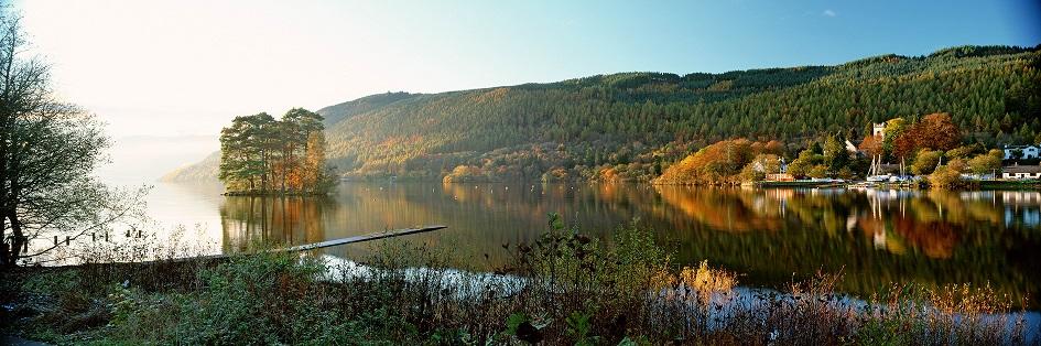 Loch Tay en Kenmore in Perthshire