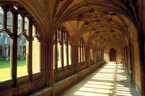 Lacock Abbey - herken je het uit Harry Potter en de Halfbloed Prins?