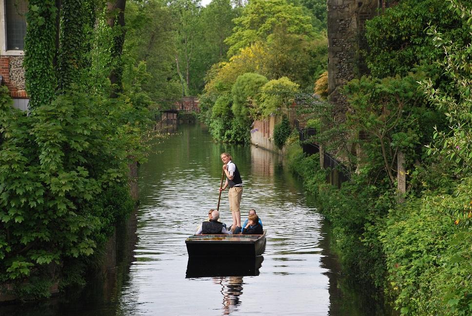 Tochtje met een punter op de River Stour