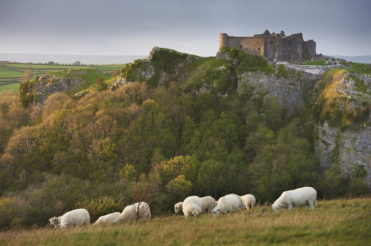 Wales must sees - Carreg Cennen Castle
