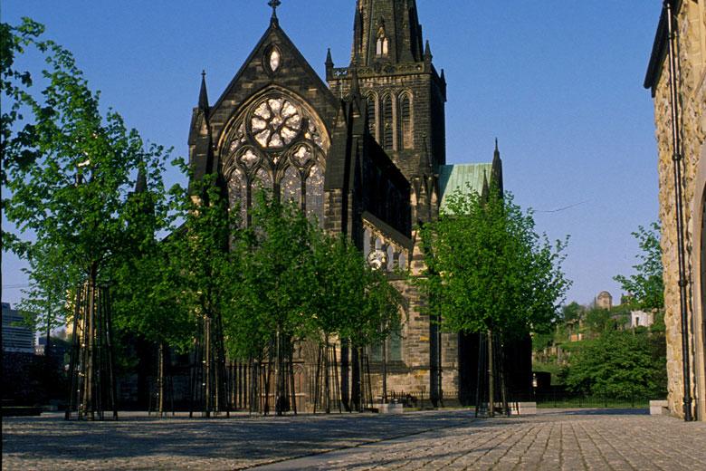 Wat te doen in Glasgow - sla zeker een bezoek aan de kathedraal niet over