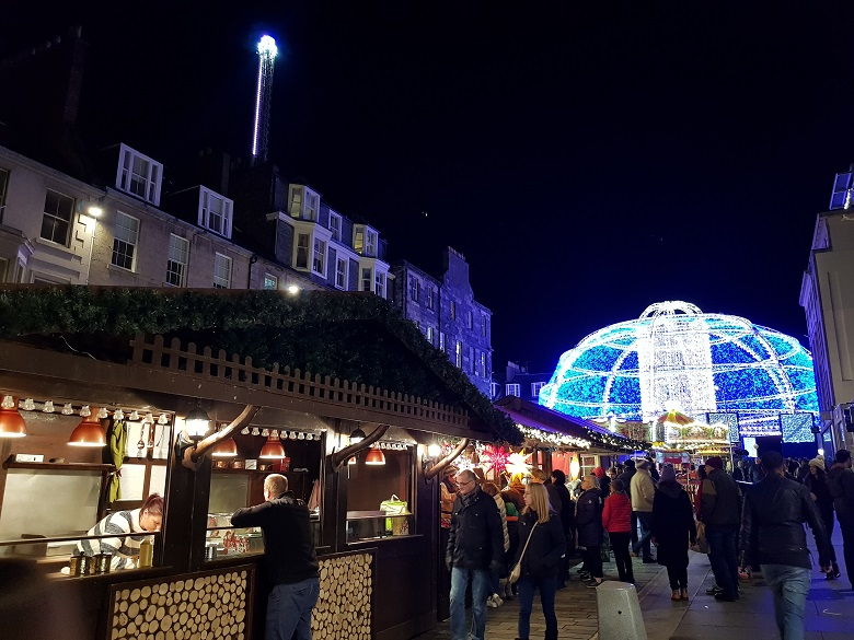 Kerstmarkt in Edinburgh