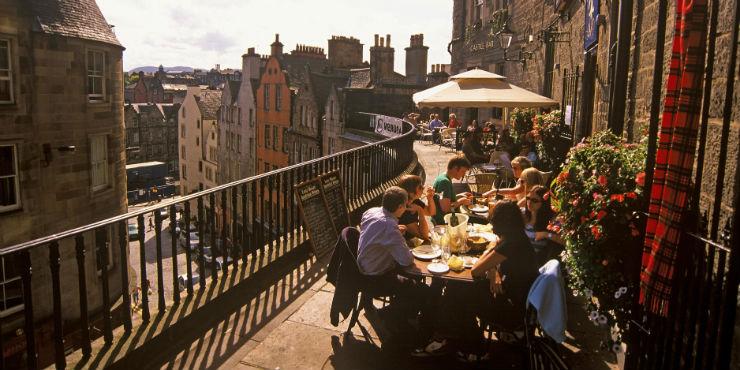 Geniet van de Taste of Scotland op een heerlijk terras