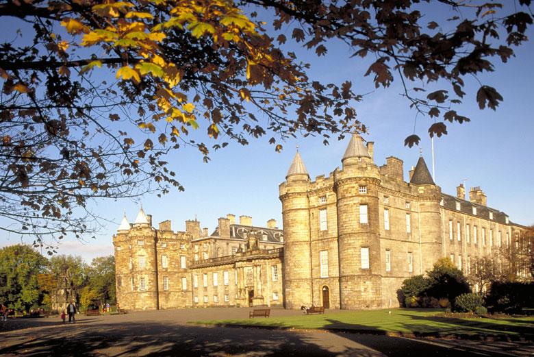 Palace of Holyroodhouse - een van de populairste bezienswaaardigheden in Edinburgh